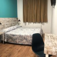 RoomConcept Hostel, hotel in Santo Domingo de la Calzada