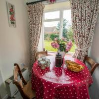 2 bedroomed cottage near quay