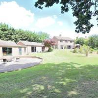 Captivating 4-Bed House in Harlow