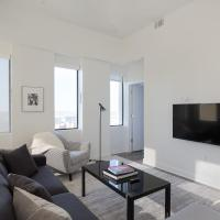 Luxe DT 1BR with City View by Zencity