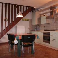 Viesnīca Holiday home in Tiarno di Sotto 23505 pilsētā Tiarno di Sotto