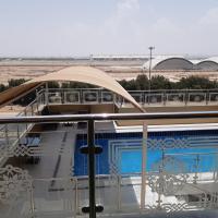 Areen Jeddah Suites Al Madina Road, hotel em Abḩur al Janūbīyah