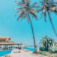 Sunset Beach Hotel, hotel in Sere Kunda NDing