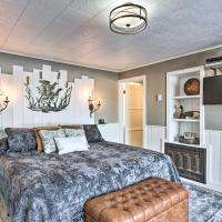 Romantic Studio Fire Pit, BBQ and Lake Views!, hotel v destinaci Crescent