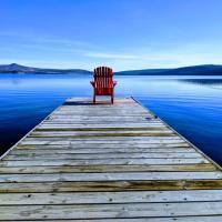 Barney's Lakeside Resort, hotel em Puntzi Lake