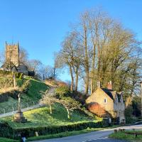 Magical Cottage in a Hidden Cotswolds Valley, hotel em Cheltenham