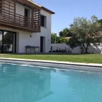 Villa d'architecte de standing avec piscine !, hôtel à Pérols près de: Aéroport Montpellier Méditerranée - MPL