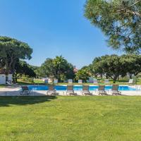 Lovely 2 Bedroom Apartment in Vila Sol Golf Resort
