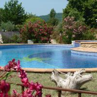 Provence Le Mas des Lavandes - unit Murier with pool, in the middle of nature