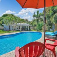 Wilton Palms - Charming oasis with shared pool!