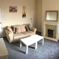 Manchester Lounge 4/BR house Stockport Airport