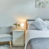 Royal Living Properties - 3 Bedroom Deluxe Bungalow