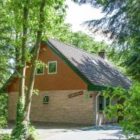 Beautiful home with lots of privacy, in the forest
