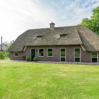 Luxurious Farmhouse with Garden in Rheeze