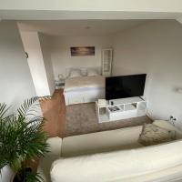 1,5 Zimmer Apartment, 38,5 qm, frisch möbliert, hotel in Neudorf-Nord, Duisburg