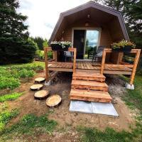 Private Cabin for your Solo Retreat St-Ignace NB, hotel em Saint Louis de Kent