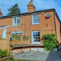 Stunning 2 bedroom cottage with Garden Office