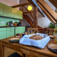 Romantische Ferien auf dem nachhaltig ökologisch sanierten Bauernhof, Hotel in Ebersbach-Neugersdorf