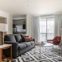 WanderJaunt - North Austin Apartments, hotel in Austin