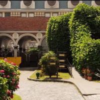 Boutique Hotel O. Galogre, отель в Батуми