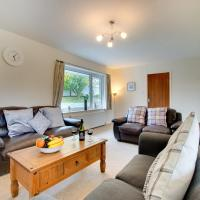 Spacious Holiday Home in Saundersfoot with Garden