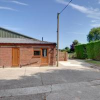 Stylish Holiday home in Frittenden Kent with Parking, hotel in Frittenden