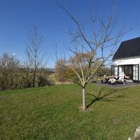 Serene Holiday Home in Nieuwvliet with Garden