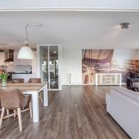 Spacious and luxurious apartment - Kaag Resort, hotel in Warmond