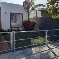 El Palmar, casa entera en zona tranquila a 15 minutos del aerpuerto Internacional, hotel in Mérida