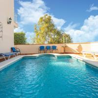 Majestic Villa in Maro with Private Pool, hotel en Maro