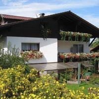 Ferienwohnung Weindl Lucia, hotel in Kollnburg