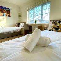 Sky TV - Parking - Stylish Modern - 2 Bedroom House - Marvello Properties