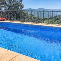 Beautiful home in Algatocín with Outdoor swimming pool, Outdoor swimming pool and 5 Bedrooms, hotel en Algatocín