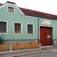 Wohlfühlhof Bachzelt,Weitersfeld的飯店