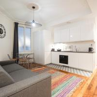 Large flat at 2 steps from the Eiffel Tower
