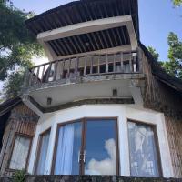 Yolly's Fantasy Lake House, hotel in Lumban