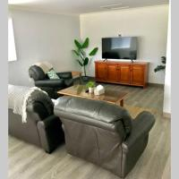 Sunnyside - Spacious & Modern Home - Sleeps 8, hotel em Lake Albert