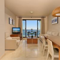 Precioso apartamento de 2 dormitorios con parking & WiFi, отель в городе Торрокс-Коста