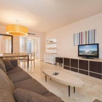 Spacious 3 bedrooms apartment, hotel en Torrox Costa