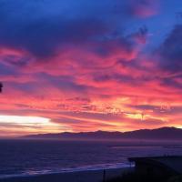 Incredible Los Angeles Beach Home with Amazing Ocean Views, hotel in Los Angeles