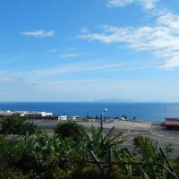 Villas Madalena Chalets vista mar cWiFi, hotel near Cristiano Ronaldo Madeira International Airport - FNC, Santa Cruz