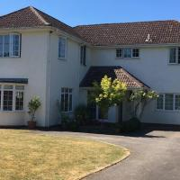 Country House in Amport with beautiful views
