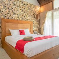 RedDoorz Plus @ Raya Senggigi Lombok, hotel in Senggigi