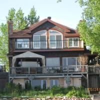 Waterfront Apartment 15 Min From Montreal Airport, hotel em Pincourt
