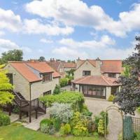 Prospect House, Treetops Suite, Wombleton Village
