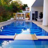 Casa con Jacuzzi y Piscina Privada en Condominio el peñon Girardot