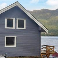 Holiday home Svelgen III