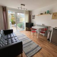 Two Bedroom Garden Flat in Zone 2 London