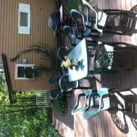 6017 Elmwood Cottage home