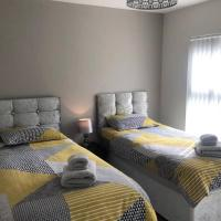 2 Bedroom Luton Townhouse Hosted By Luton Serviced